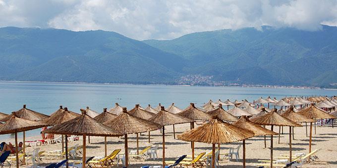 Τα καλύτερα στέκια στη Θεσσαλονίκη: μαγαζιά για coctails,πισίνες και ταράτσες για αμέτρητα καλοκαιρινά βράδια!