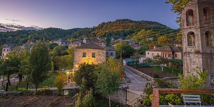 Τα γραφικά ελληνικά χωριά… για φίλημα! Συνδυάζουν παράδοση και ομορφιά,έχουν υπέροχα ταβερνάκια και ξενώνες