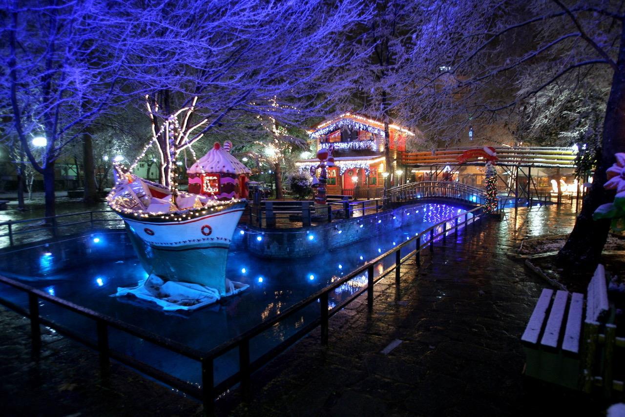 Βόλτα στα χριστουγεννιάτικα πάρκα της Ελλάδας!Εσείς ποιο θα προτιμήσετε φέτος;