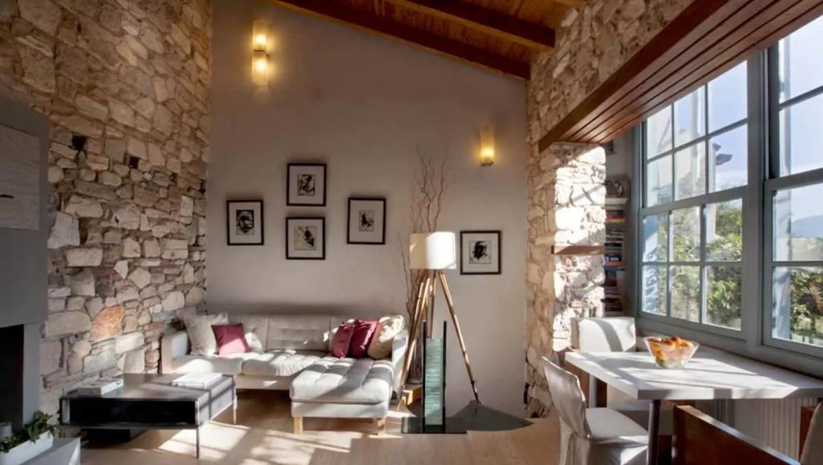 Airbnb: Τα πιο τέλεια σπίτια στην Πλάκα!Με τιμές από 25€