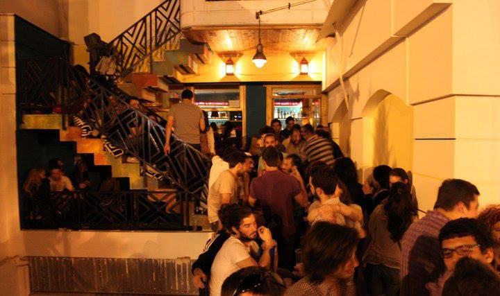 Καλοκαίρι σημαίνει έρωτας: Τα κορυφαία μπαράκια για να φλερτάρεις στην Αθήνα! - Clubs & Bars