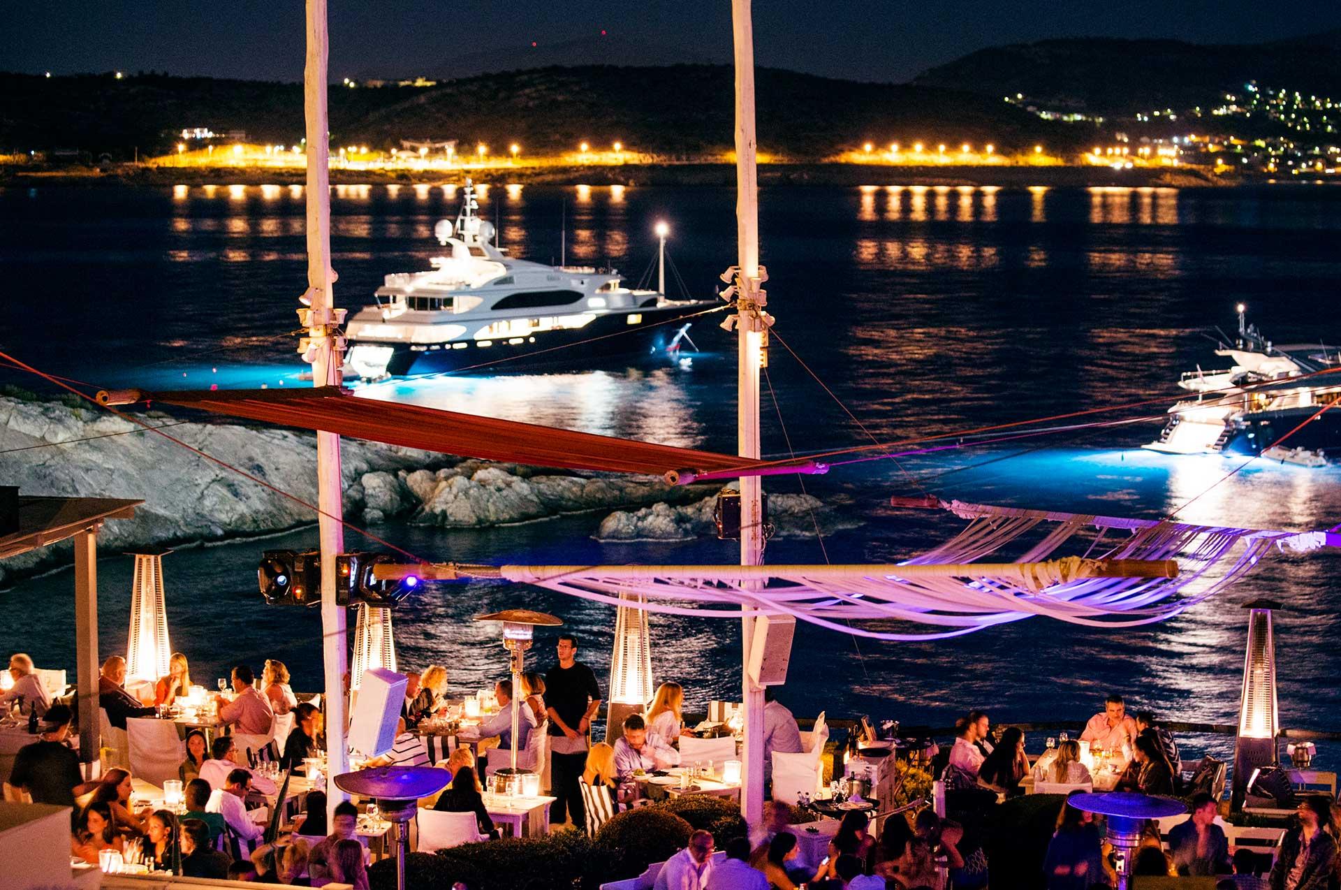 Αθήνα: 7 κορυφαία μπαράκια για να ερωτευτείς φέτος το καλοκαίρι! (photos)