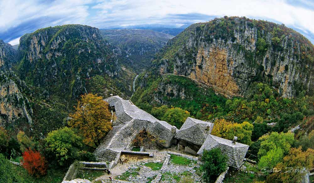 Τα 12 πιο όμορφα μοναστήρια και εκκλησίες της Ελλάδας!